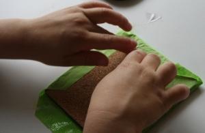 Folding paper round coaster