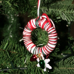 Mini wreath Christmas tree decoration